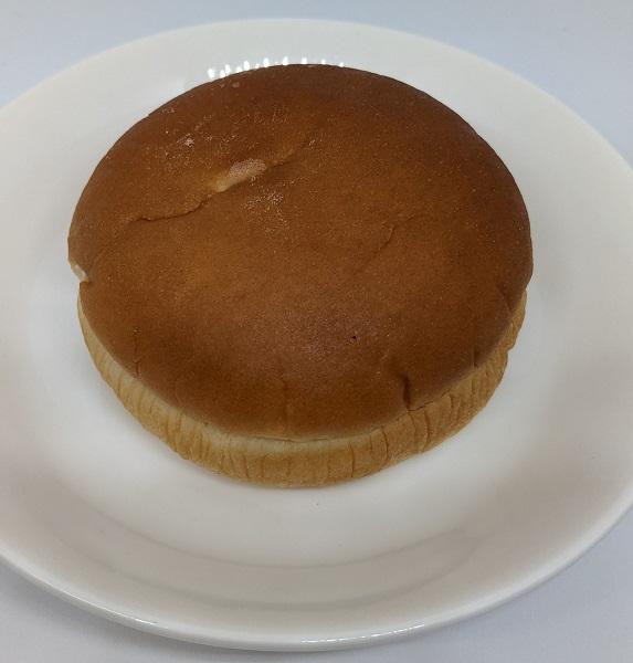 富良野メロンクリームパン3