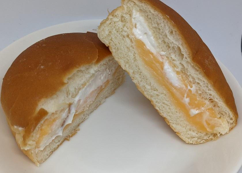 富良野メロンクリームパン4