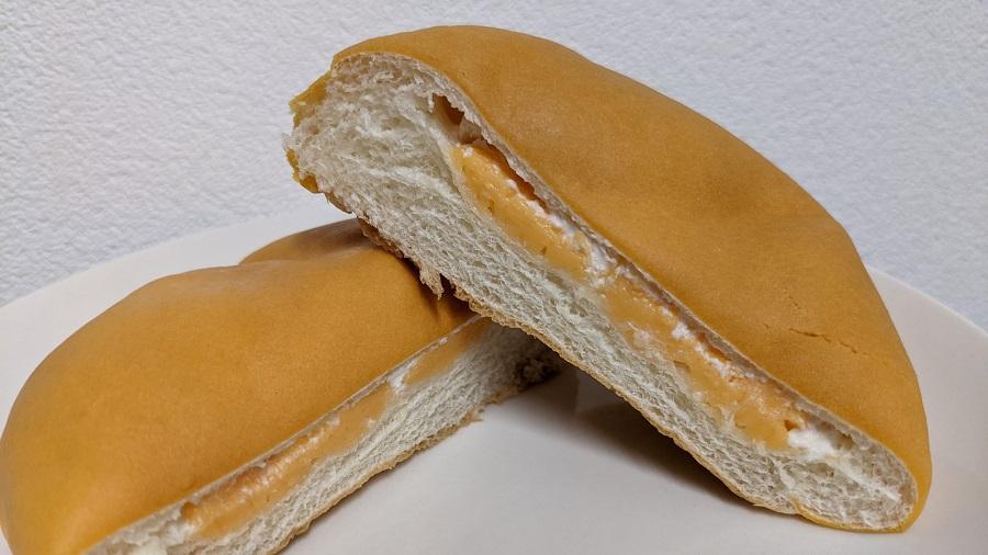北海道メロンのクリームパン4